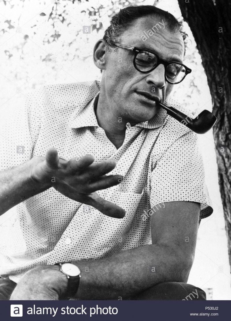 american-playwright-and-essayist-arthur-miller-P530J2.jpg