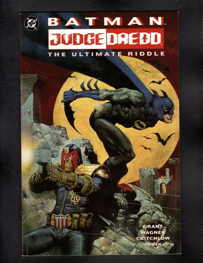 $3- Batman Judge Dredd Ultimate.jpg