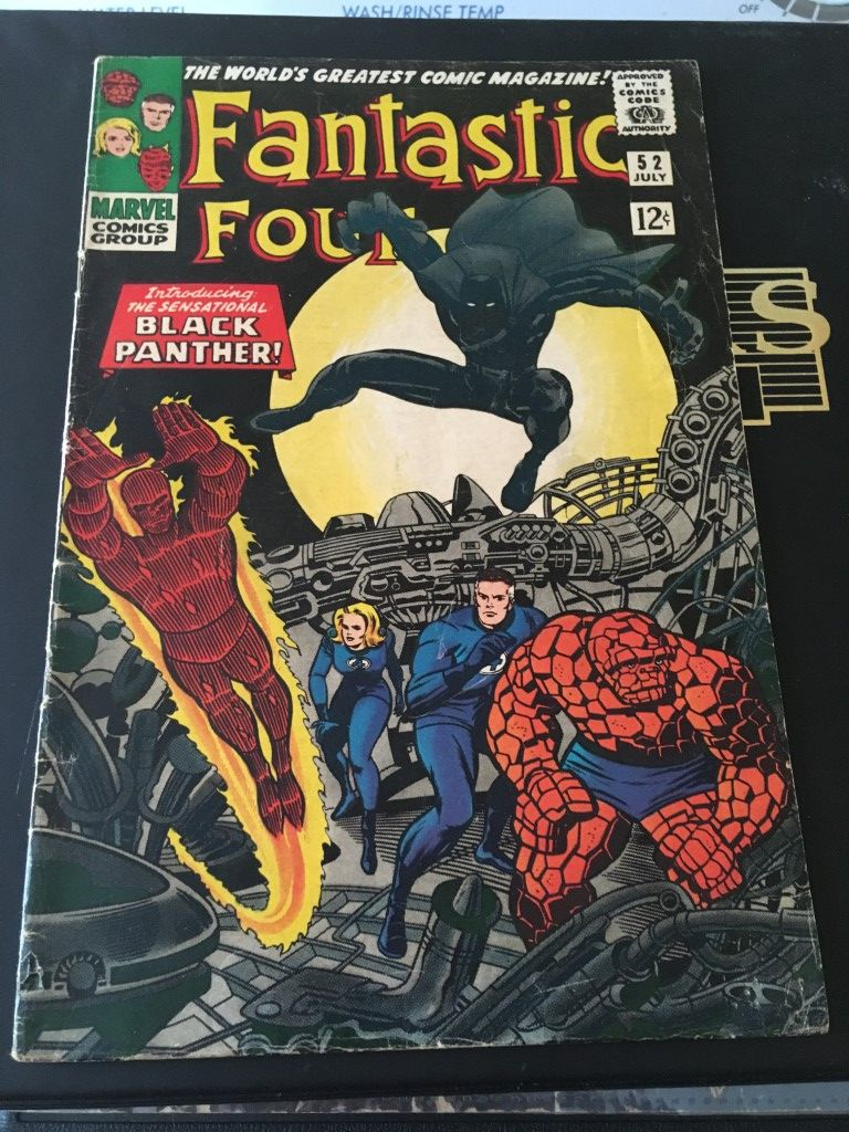 Fantastic Four 52 - Front (Medium).JPG