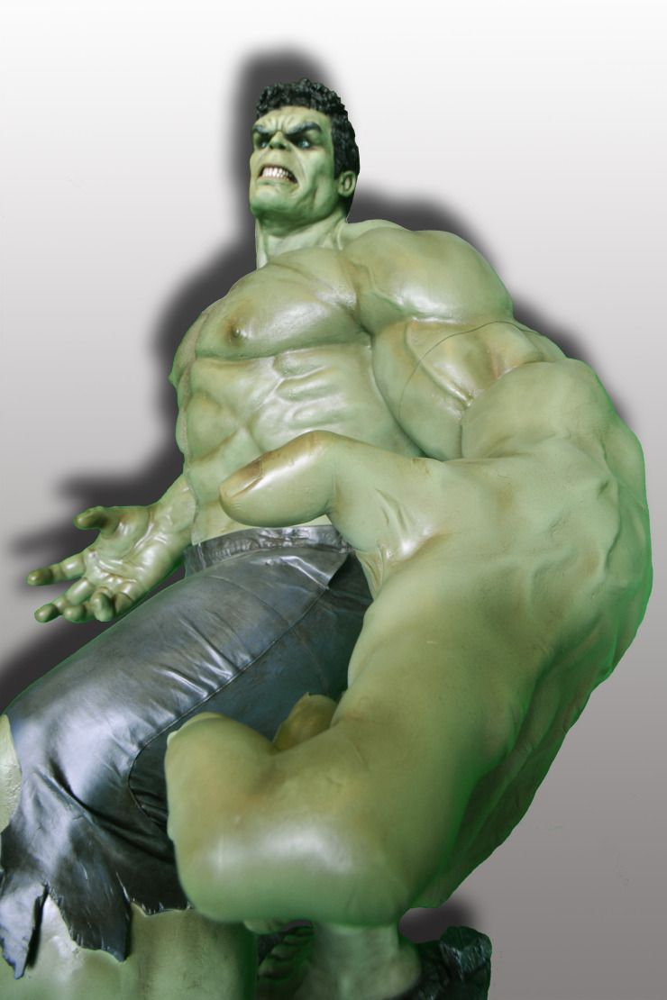 hulk-statue-rental-convention-props-6.jpg