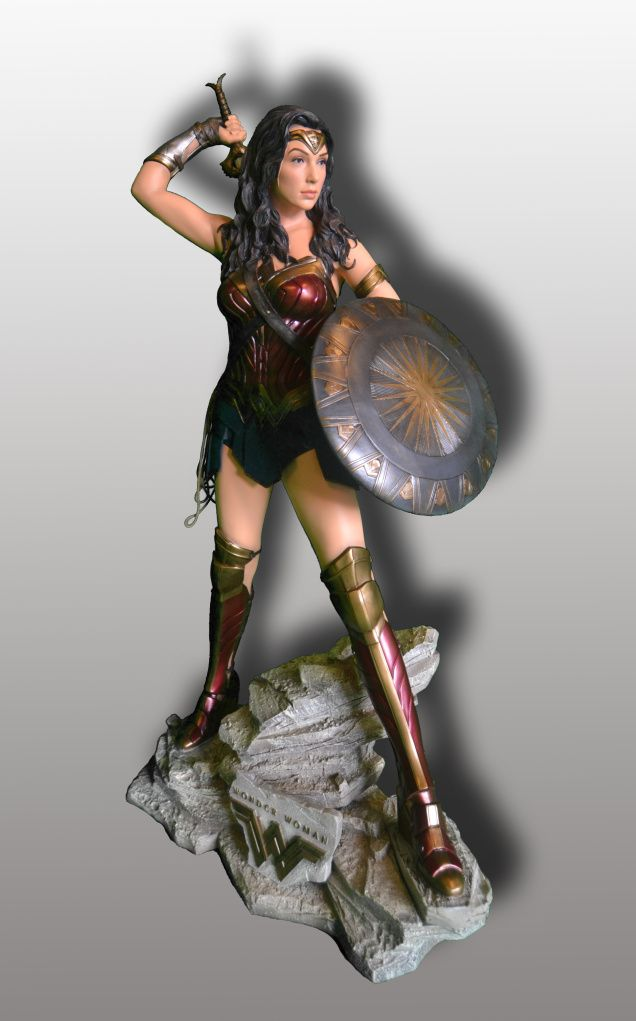 wonder-woman-statue-rental-convention-props-8.jpg